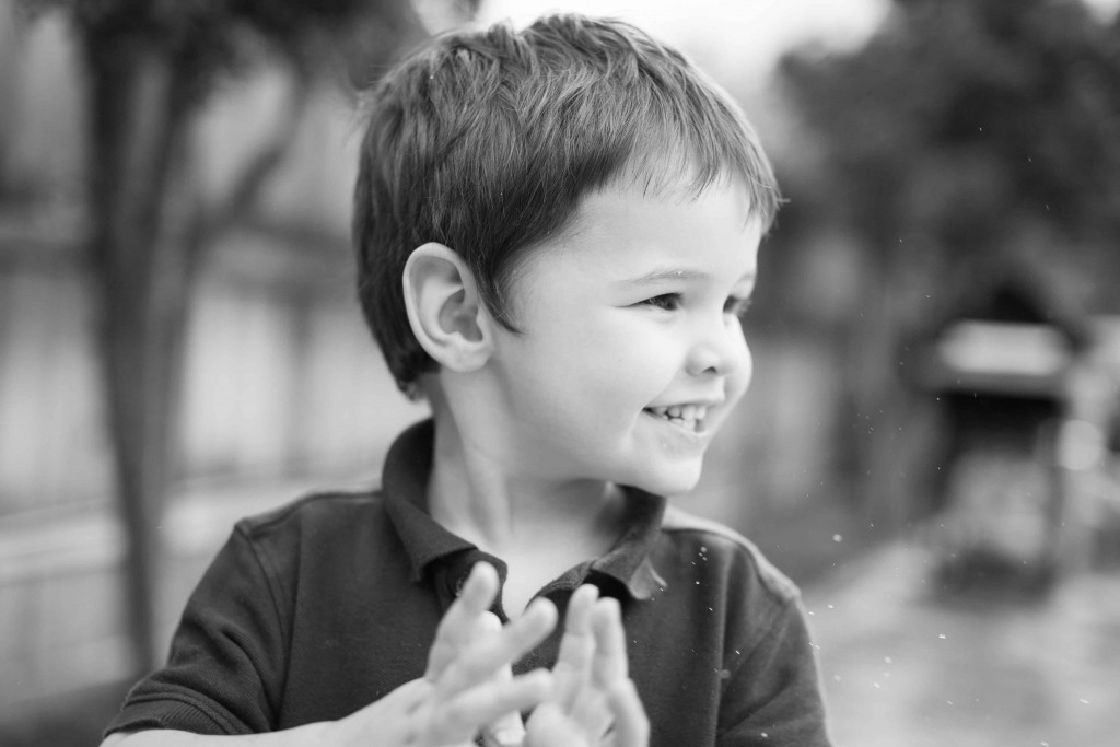 Abilene Photography Child Clapping